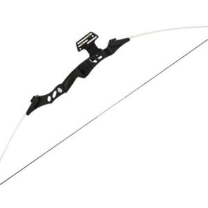 RECURVE BOW 40 LBS is the most powerful recurve longbow from Man Kung. This MK-RB001 is particularly suitable for those who already have some experience with archery.